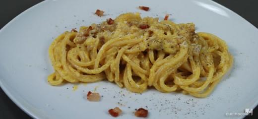 spaghetti-alla-carbonara-hom-e-finale