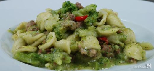 orecchiette-broccoli-e-salsiccia-hom-e-finale